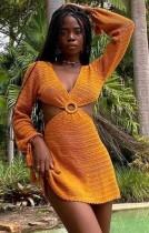 Mini vestido de verano naranja ahuecado con o-ring Crochet Deep-V con mangas completas