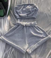 Sommer lässiges Bandeau-Oberteil aus grauer Baumwolle und Sweatshorts-Set