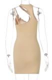 Mini vestido de verão caqui com corte sexy sem mangas