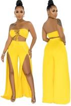 Conjunto de calças curtas de cintura alta amarela de renda e fenda inferior com cintura alta
