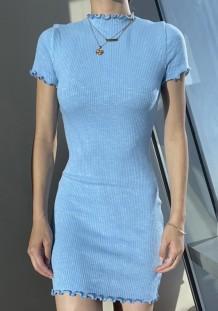 Mini abito in maglia basic blu estivo con maniche corte