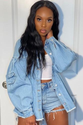 Lässige hellblaue lange Jeansjacke mit Puffärmeln