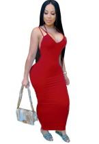 Летнее красное сексуальное длинное платье с пышными формами на бретелях