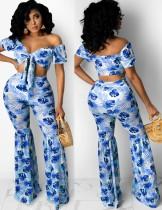 Top corto senza spalline blu con stampa estiva e pantaloni svasati 2 pezzi