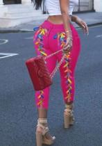 Sommer-Jeans mit Schnürung und rosa Passform