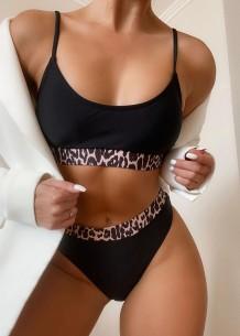 Traje de banho preto de duas peças com alça de leopardo