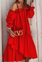 Vestido rojo de verano con hombros descubiertos y volantes