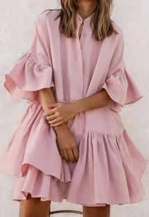 Vestido de verão casual com babados rosa