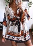 Vestido de blusa cruzada con estampado de mariposas de verano con mangas completas