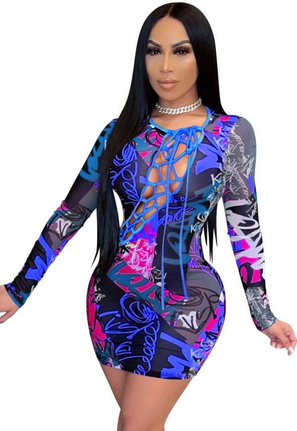 Mini vestido ajustado de manga larga con cordones y estampado de verano