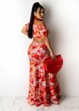 Conjunto de top corto con hombros descubiertos y flores de verano y falda larga a juego
