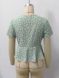 Blusa anudada irregular verde floral de verano