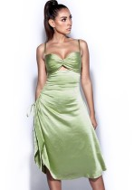 Vestido largo con tirantes fruncidos verde formal de verano