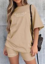 Conjunto de 2 peças de camiseta casual caqui estampado de verão e shorts de motociclista