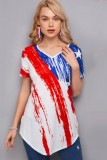 Normales Hemd mit V-Ausschnitt und Flaggenprint im Sommer