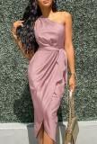 Vestido a media pierna cruzado de un hombro rosa formal de verano