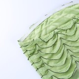 Mini vestido de tubo con volantes sin tirantes verde de verano