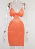 Minivestido con tirantes recortados en naranja de verano