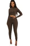 Conjunto de legging y top corto ajustado con volantes marrones de verano