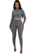 Conjunto de legging y top corto ajustado con volantes de verano gris