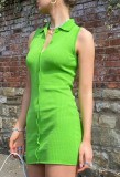 Sommergrünes sexy ärmelloses Minikleid aus Strick