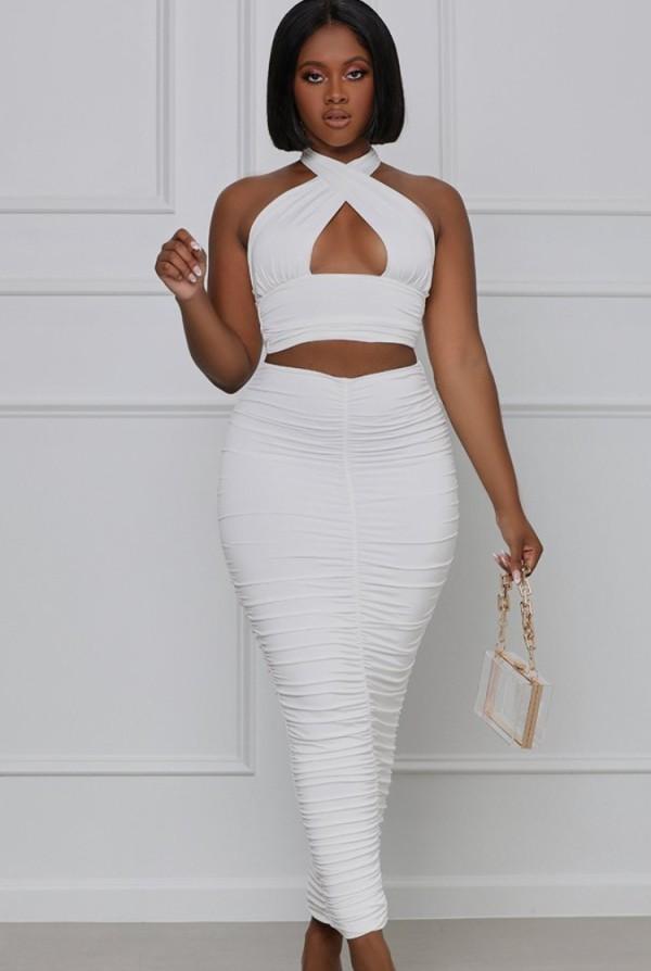 Conjunto a juego de top corto con cuello halter sexy blanco formal de verano y falda midi con pliegues