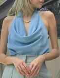 Top corto con cuello halter azul sexy de verano