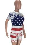 Conjunto de 2 piezas de camisa ajustada y pantalones cortos con estampado de bandera informal de verano