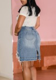 Jupe en jean irrégulière endommagée bleu d'été délavée à taille haute