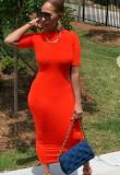 Vestido a media pierna con cuello redondo y delgado rojo informal de verano
