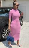 Vestido a media pierna con cuello redondo y delgado rosa informal de verano