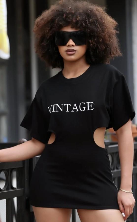 Летнее повседневное черное мини-платье с короткими рукавами и вырезом