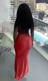 Conjunto de falda larga y top corto con cordones fruncidos en rojo de verano
