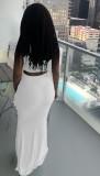 Conjunto de falda larga y top corto con cordones fruncidos en blanco de verano