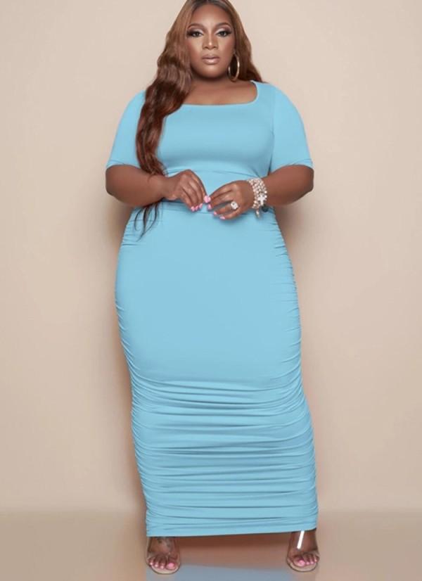 Vestido largo fruncido azul de talla grande de verano