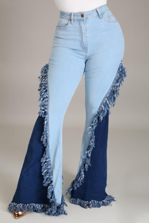 Jeans acampanados de borlas de cintura alta con parche azul de verano