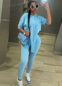 Chándal con pantalón y top irregular con capucha de verano azul
