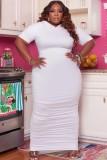 Vestido largo con capucha y fruncido blanco de talla grande de verano
