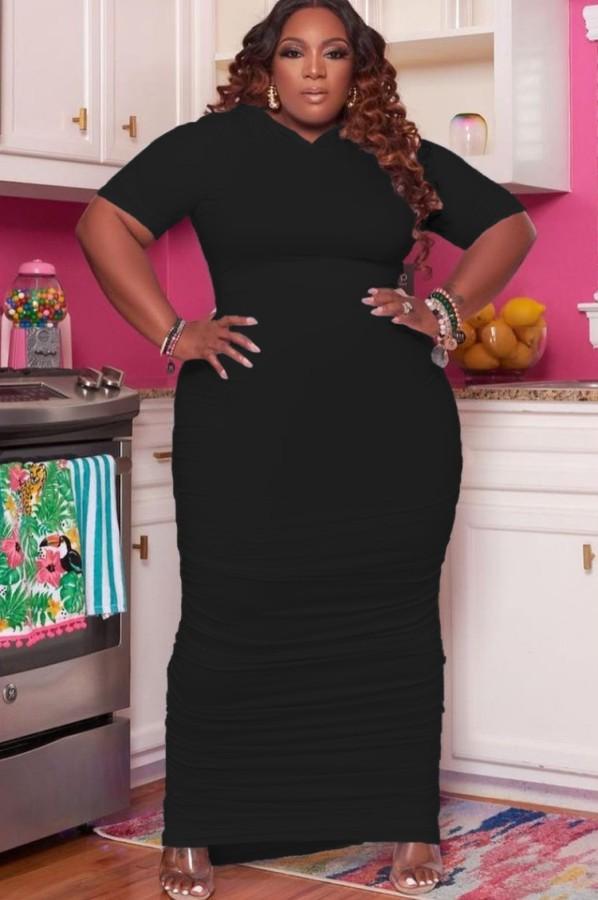Vestido largo con capucha y fruncido negro de talla grande de verano