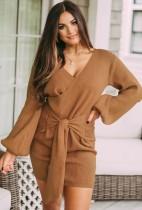 Mini abito a portafoglio annodato con maniche a sbuffo in maglia kaki autunno