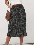 Falda de cintura alta hasta la rodilla con hendiduras negras con estampado de verano