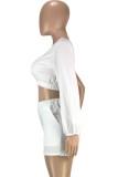 Conjunto de top corto y pantalón corto blanco de fiesta de verano