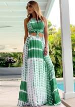 Conjunto de falda larga y top corto con efecto tie dye verde de verano