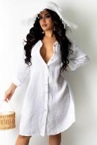 Herbstliches weißes langes Blusen-Sommerkleid mit vollen Ärmeln