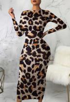 Vestido midi ajustado de leopardo elegante de otoño