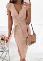 Vestido a media pierna con abertura cruzada rosa elegante de verano con cinturón
