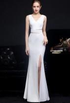 Vestido de noite formal de verão branco sem mangas com fenda sereia com decote em V