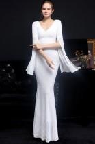 Vestido de noche de sirena con cuello en V y lentejuelas blancas ocasionales de otoño