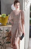 Yaz Arası Resmi Altın Pullu Düzensiz Kısa Kokteyl Elbisesi