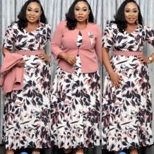 Conjunto de abrigo rosa de talla grande de otoño y vestido de pinta de madre de novia